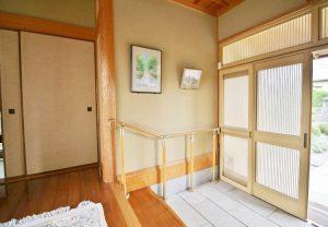 手すりの取り付け(玄関、廊下、浴槽、トイレなど)