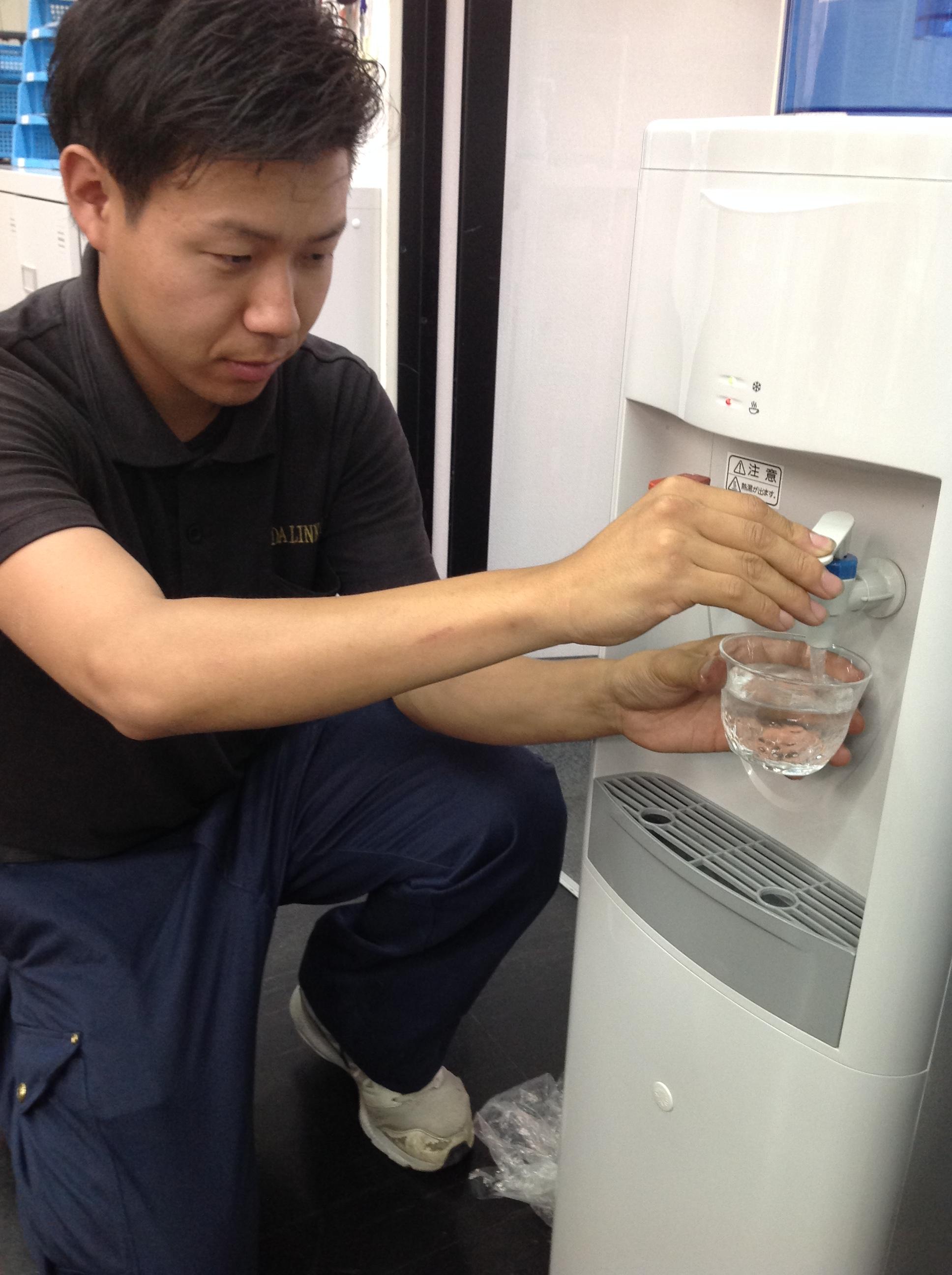 豊の水_ウォータサーバー_試飲
