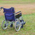 自走式車いすと介助式車いすの違いとは?